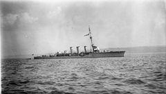 HMS_Inconstant_(1914).jpg