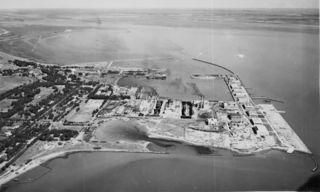 Vista_general_de_la_Base_Naval_de_Puerto_Belgrano_en_1943.jpg