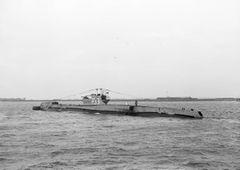 HMS_Trenchant_(P331).jpg