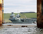 HMS_QUEEN_ELIZABETH_enters_Invergordon-4.jpg