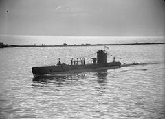 HMS_Ultor_(P53).jpg
