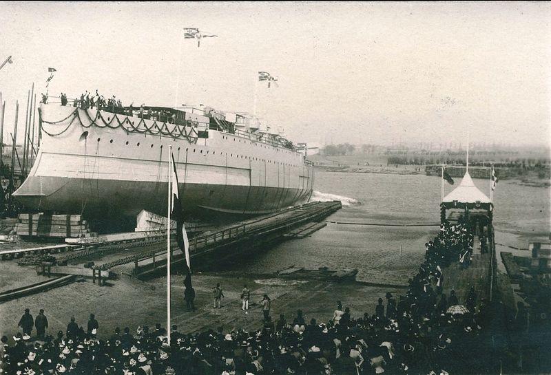 Файл:Спуск S.M.S. KAISER BARBAROSSA 21 апреля 1900.jpg