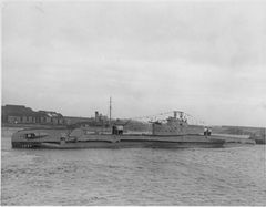 HMS_Trespasser_(P312).jpg
