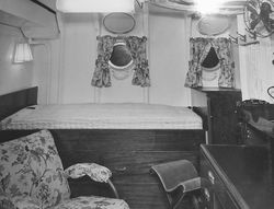 HMS_Diamond22-cabin.jpg