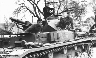 Openable Hatches for Loader and Gunner (Panzer IV) 320px-Panzer_IV_Ausf_C_somewhere_in_France