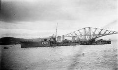 HMS_Tristram_(1917)_IWM_SP_1401.jpg