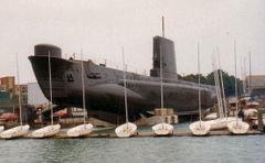 HMS_Alliance_(P417).jpg