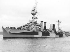 USS_Richmond_-28CL-9-29_port_side_June_1944.jpg