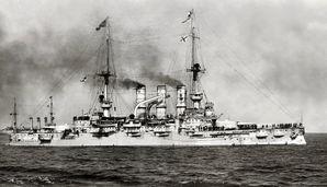SMS_Deutschland_Swinemuende_1907.jpg