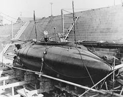 USS_Grampus_(SS-4)_1.jpg