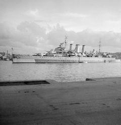 HMS_Cumberland_(57).jpg