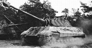 PzKpfw_VI_Ausf._B_Tiger_II_(H)_3.jpg