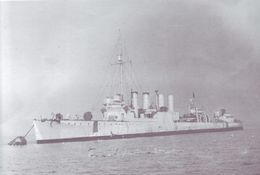 HMS_Mansfield_(ex-USS_Evans,_DD-78)_tied-up_to_buoy_May-June_1941.jpg