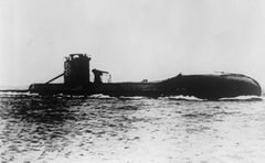 HMS_Upholder_(P37).jpg