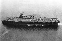 USS_Independence_(1942).jpg