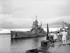 HMS_Prince_of_Wales_arrives_Singapore_04_Dec_1941.jpg