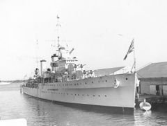 HMS_Apollo_at_Miami_1938.jpg
