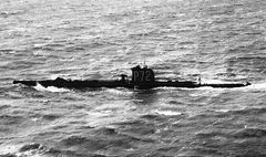 HMS_Vampire_(P72).jpg