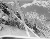 HMS_JAMAICA_дозаправка_с_танкера_(Северная_Атлантика,_сентябрь_1944)_10.jpg