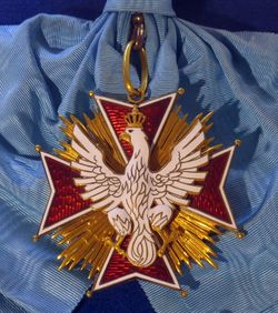 Order_of_the_White_Eagle_badge_(Republic_of_Poland_1921-1939).jpg