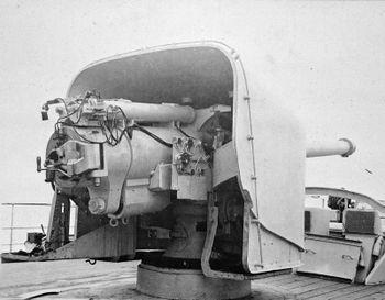 152_mm_BL_Mk_XII_adelaide_i_1940.jpg