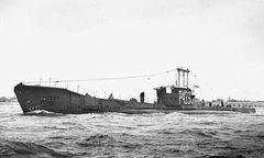 HMS_Amphion_(P439).jpg
