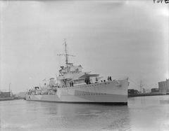 HMS_Arrow_(H42).jpg