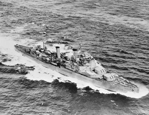 HMS_FIJI,_28_August_1940_FL13125.jpg
