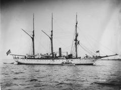 USS_Vicksburg_гавань_1900.jpg