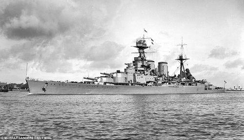 HMS_Hood_in_1918_1.jpg