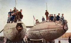 USS_Porpoise_(SS-7)_и_USS_Shark_(SS-8)_1905.jpg