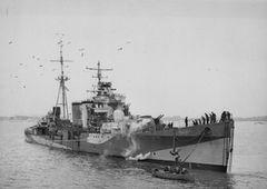 HMS_Colombo_(D89).jpeg