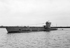 HMS_Venturer_P68.jpg