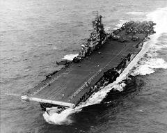 USS_Intrepid_CV-11_in_Philippine_Sea_Nov_1944.jpg