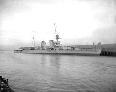 HMS_Raleigh_(1919)_title.jpg