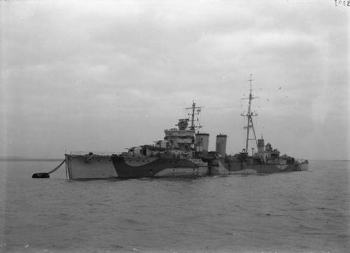 HMS_Caledon_(1916).jpg