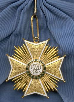 Order_of_the_White_Eagle_badge_(Republic_of_Poland_1921-1939)rev.jpg