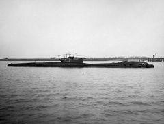 HMS_Thrasher_(N37).jpg