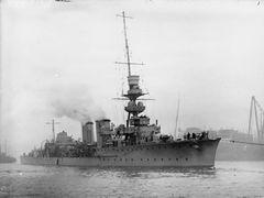 HMS_Centaur_(1916).jpg