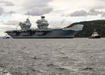 HMS_QUEEN_ELIZABETH_enters_Invergordon-6.jpg