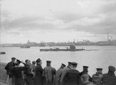 HMS_Unbroken_(P42).jpg