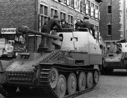 Marder-III-Ausf-M-column.jpg
