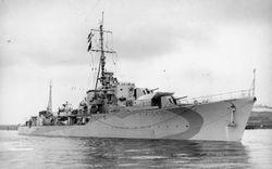 HMS_Saumarez_(G12).jpg