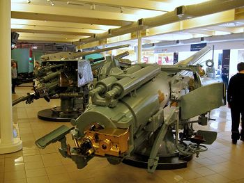 BL5.5inch-50cal-MkI-NavalGun-IWM.jpg