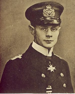 Kapitaenleutnant_hans_walter.jpg