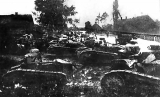 Polish_FT_tanks_during_the_Battle_of_Dyneburg.jpg