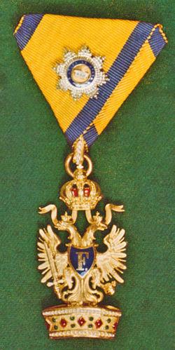 Ordens-der-Eisernen-Krone-1-klass-kleine-dekoration.jpg