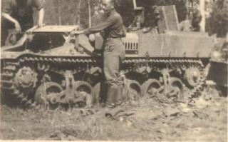 Lorraine37LTransportpanzer1_W.jpg