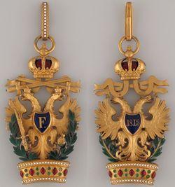 Ordens-der-Eisernen-Krone-1-klass-militaer-und-schwerten.jpg