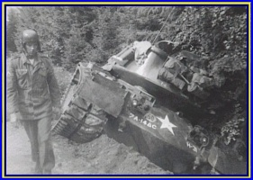 H-31_tank_threw_a_track,_Wildflecken_1958,.jpg